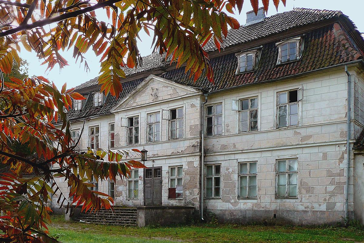 Pałac w Bęsi