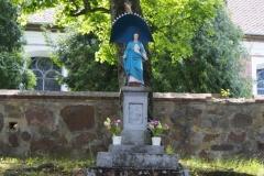 Figura Matki Boskiej, wieś Orzechowo