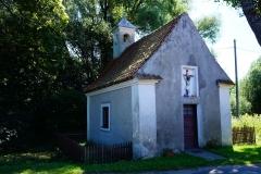 Kaplica we wsi Kikity