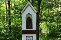 Kapliczka koło wsi Naterki