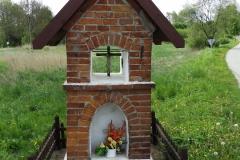 Kapliczka koło wsi Ruś