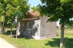 Kapliczka we wsi Lądek koło Bisztynka