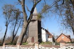 Kościół we wsi Kłębowo