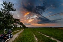 Polna droga z Sętala na zachód