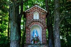 Przydrożna kapliczka, okolice wsi Żardeniki