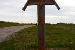 Przydrożny krzyż, wieś Babiak, kierunek północny