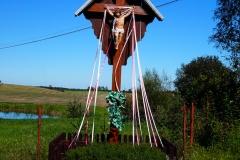 Przydrożny krzyż, wieś Kiwity, pow. lidzbarski. Wjazd od strony Lidzbarka Warm.