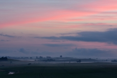 Różowy zachód słońca nad Tomarynami