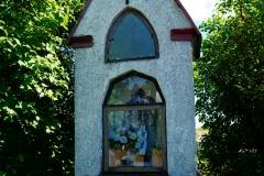 Wieś Tłokowo. Przydrożna kapliczka