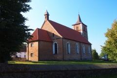 Wieś Bieniewo, kościół pw. św. Marii Magdaleny
