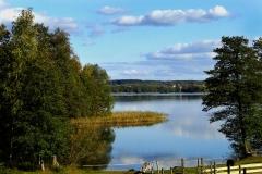 Widok z Wyspy Dadaj na jezioro (wschód)