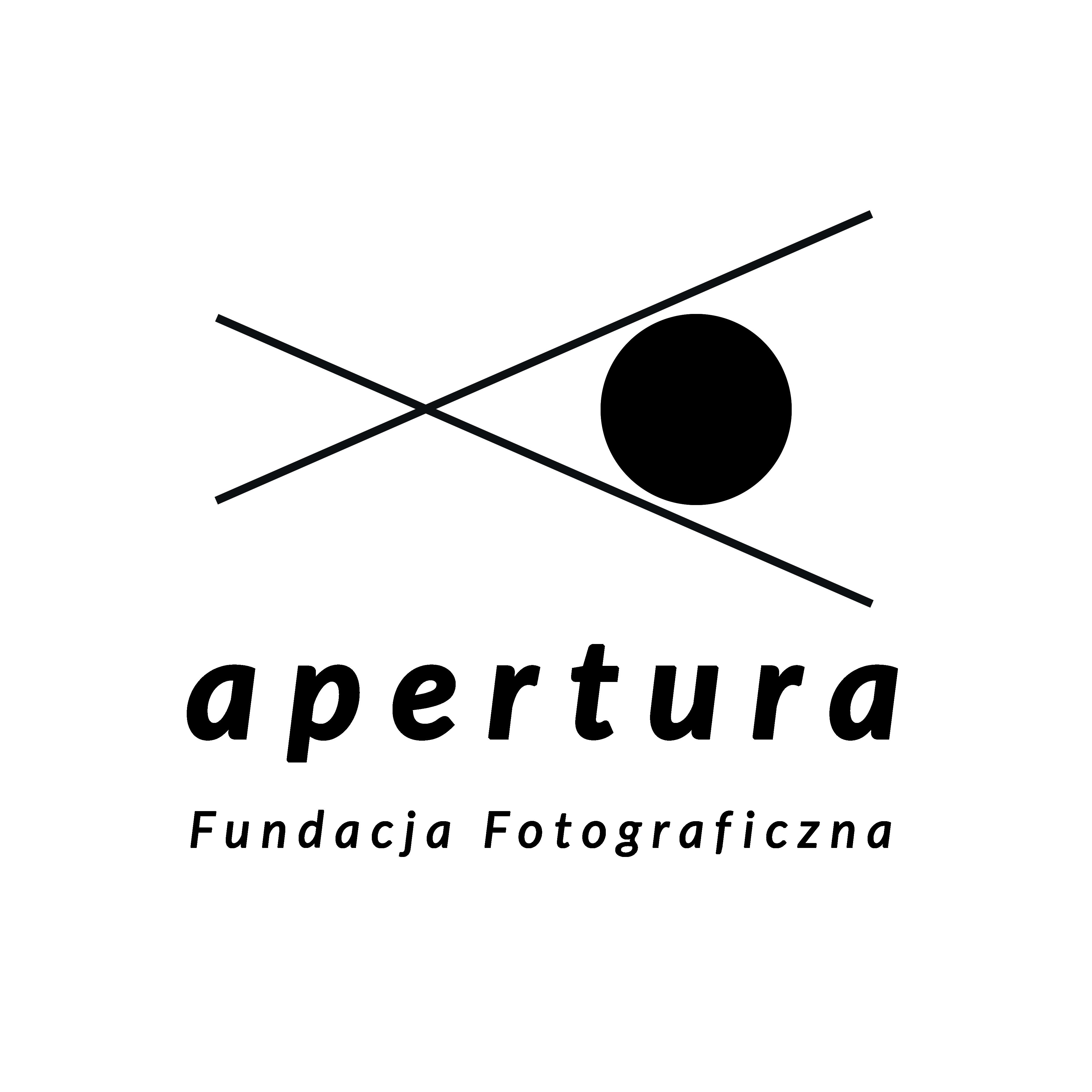 Logotyp Fundacja Fotograficzna Apertura - large white